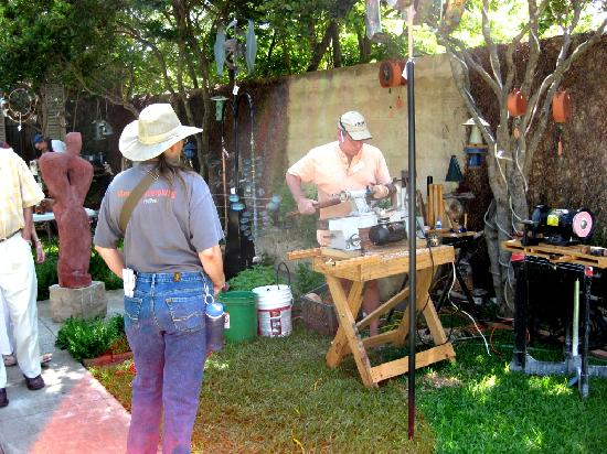 Fredericksburg, TX: Art Galleries on Main Street