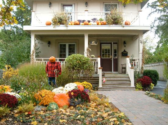 Wine Country Bed & Breakfast: Looks great in all seasons