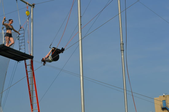 Trapeze School New York: Flying throught the air with the greatest of ease. It was fantastic.