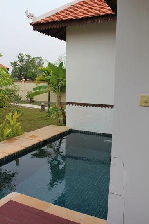 Suites and Sweet Resort Angkor: plunge pool