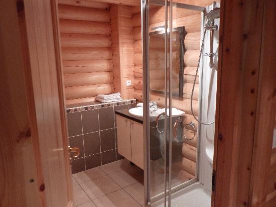 Le Pin Sylvestre : La salle de bain