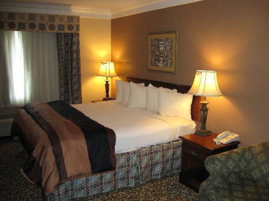 Best Western Plus Slidell Hotel : Room View