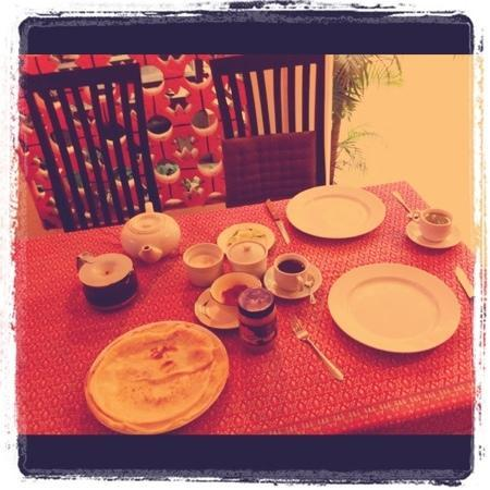 The Rose Apple Boutique Bed & Breakfast: Homecooked pancakes for breakfast- divine