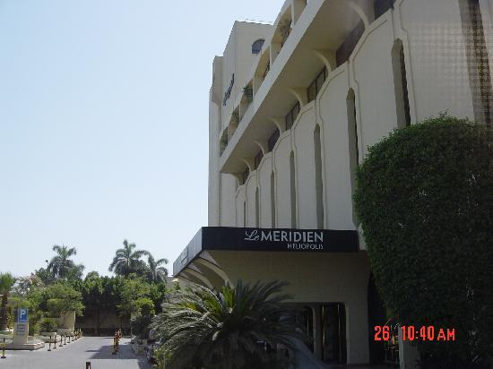 Le Meridien Heliopolis: Mangificient Front View of the Hotel