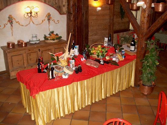 Centro Pineta Family Hotel & Wellness: Prodotti Tipici del Trentino