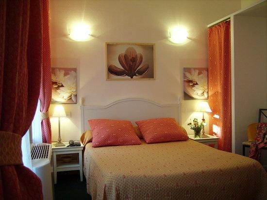 Hotel Riviera: chambre/ room