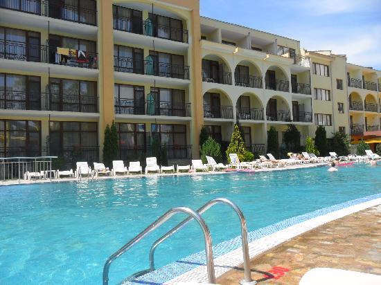 Yavor Palace: Pool