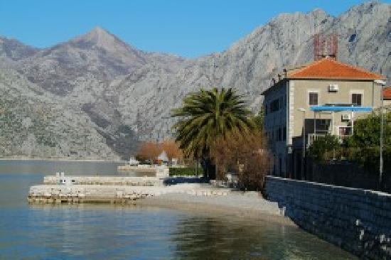 Hotel Pana Kotor : Small Hotel Pana