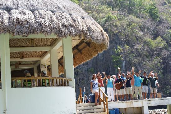 El Nido Resorts Miniloc Island: The wonderful staff saying goodbye