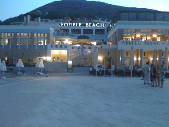 Fodele Beach & Water Park Holiday Resort: La piazza centrale del Villaggio