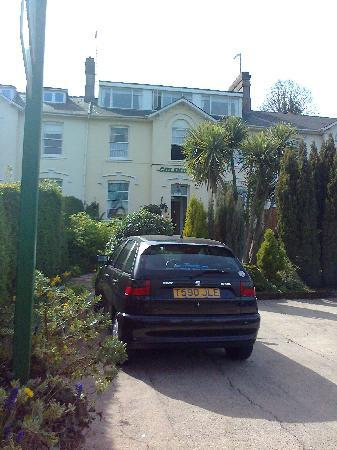 Colindale Guest House: External 1
