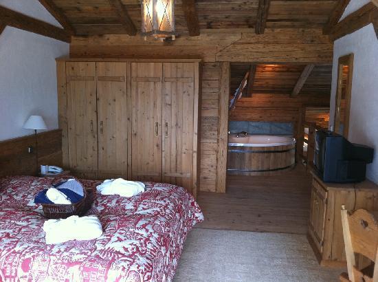 Lanig Resort und Spa : Stadelsuite mit Whirlpool