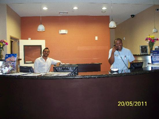 SpringHill Suites Waco Woodway: Front desk smiles