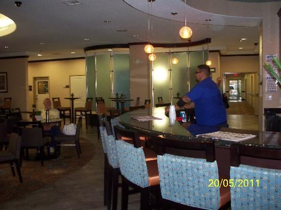 SpringHill Suites Waco Woodway: Bar