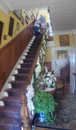 South Court Inn Bed and Breakfast: The stair walking in