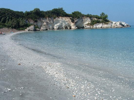 White Rocks Hotel & Bungalows: Kalami beach near Dolphin supermarket