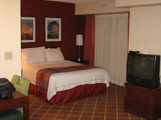 Residence Inn Richmond Northwest/Short Pump : Regular Room, Queen Size Bed