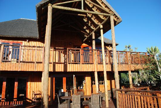 Addo Afrique Estate: Front of the lodge