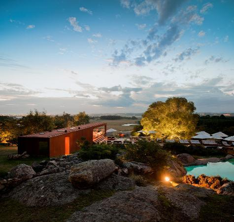 Hotel Fasano Punta del Este: Pool and Pool Bar