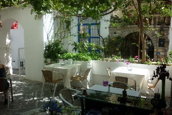 Myndos Hotel: Resting area