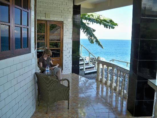 Villa Arjuna: Terras met uitzicht