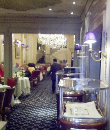 Le Bec Fin: Looking into main dining room