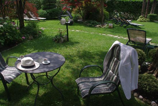 Hotel Ariston: After breakfast in Garden