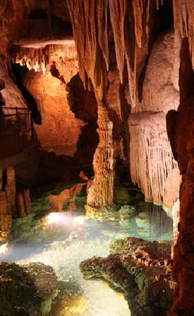 Luray Caverns: The wishing well toward the end of the tour is beautifully lit.