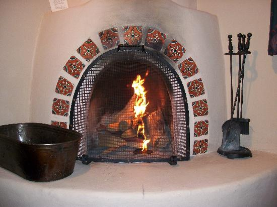 Sagebrush Inn & Suites: I said I had lit the fire!