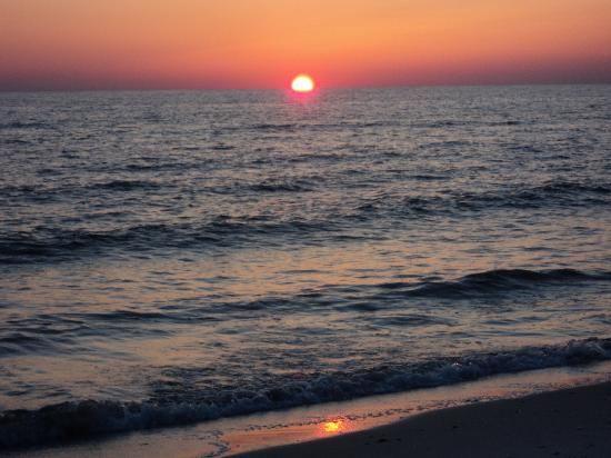 St. Joseph Peninsula State Park: Beautiful sunset on the beach
