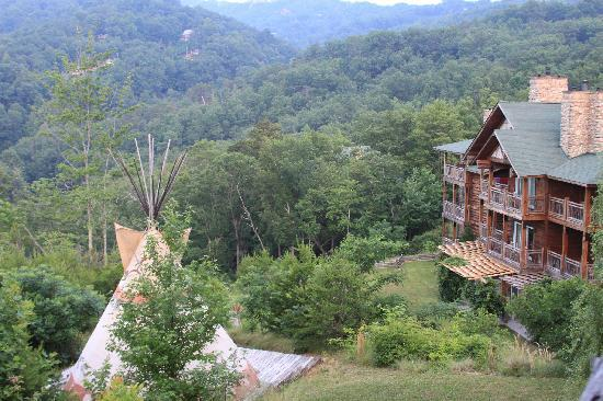 The Lodge at Buckberry Creek: View of back of main lodge from our balcony