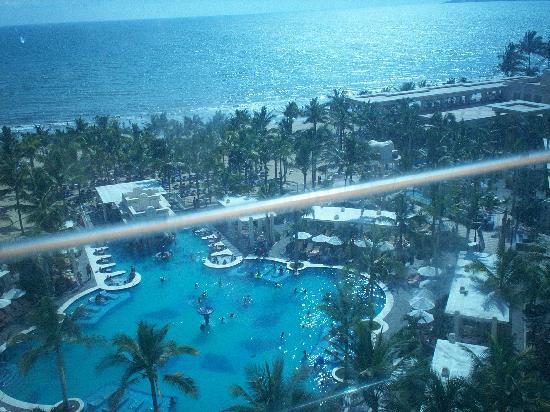 Hotel Riu Vallarta: Pool form 9th floor