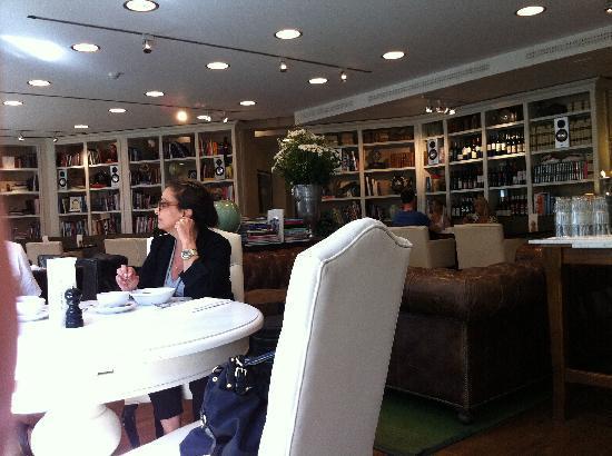 Lydmar Hotel: Sala de café da manhã e restaurante à noite