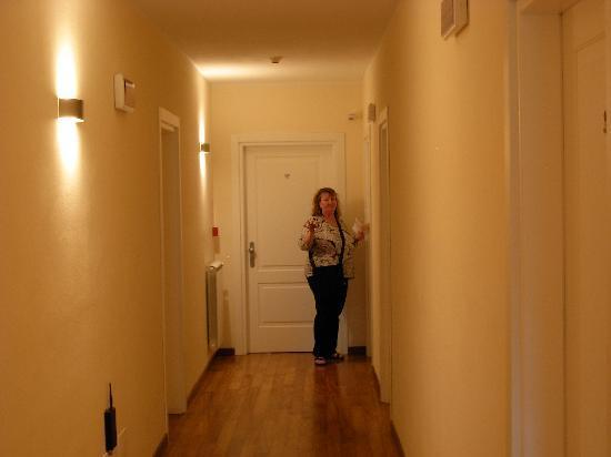 Oasi Hotel: Hallway