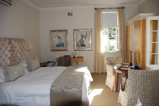Cape Cadogan: Room