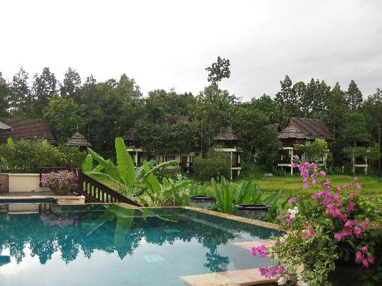 Four Seasons Resort Chiang Mai: pool area