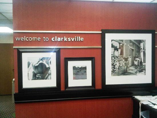 Hampton Inn Clarksville: Welcome message in the reception area