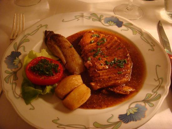 Hotel de la Banniere de France : at the Restaurant-local dish
