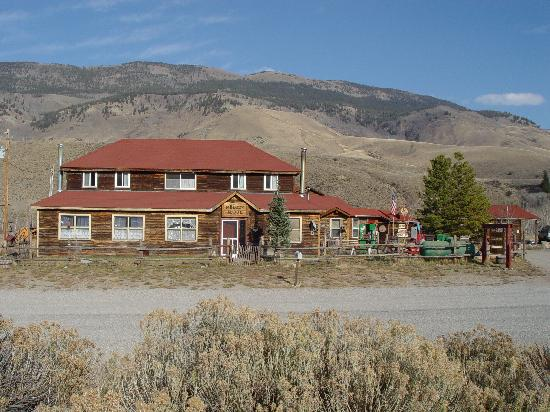 Melody Lodge Cabins: -