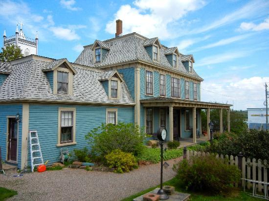 باراشوا إن: Barachois Inn Main House circa 1880