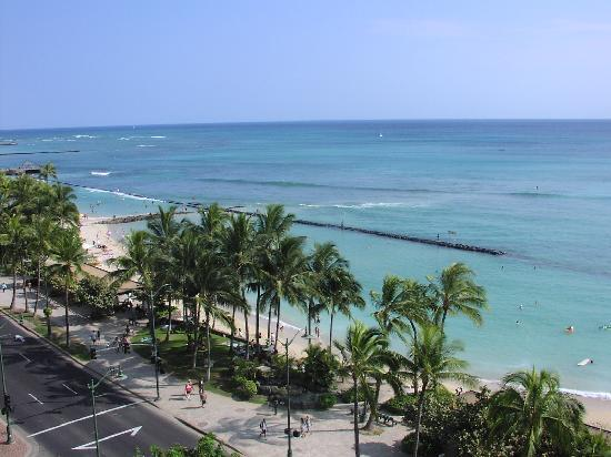Aston Waikiki Circle Hotel: View from Ocean Front room