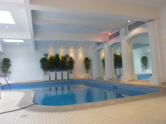 Henry VIII Hotel: The Pool