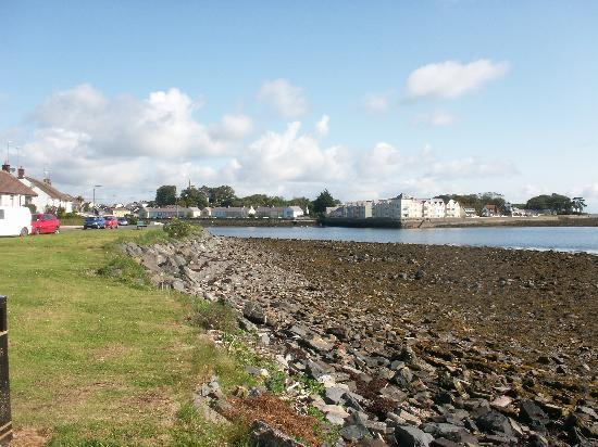 Dufferin Coaching Inn: Killyleagh from the harbour