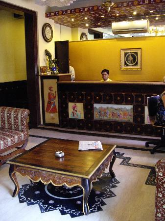 Rajputana Haveli: Hotel room - notice quality of decor