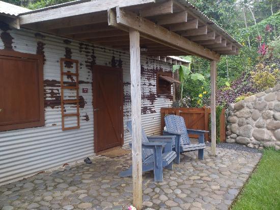 Pagua Bay House Oceanfront Cabanas : Contemporary Entry