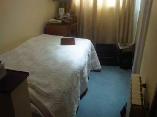 Ambassadeur: Tiny room