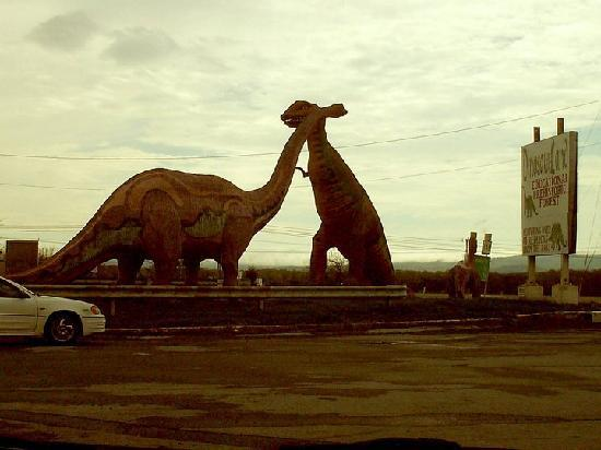 Dinosaur Land: First dinos you may see on the highway