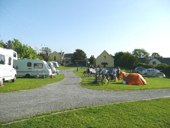 Corofin Hostel and Camping Park: Corofin Village Campsite