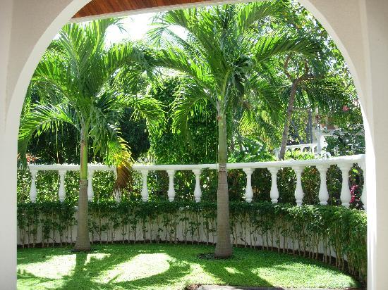 Villa del Sueno: View from patio area