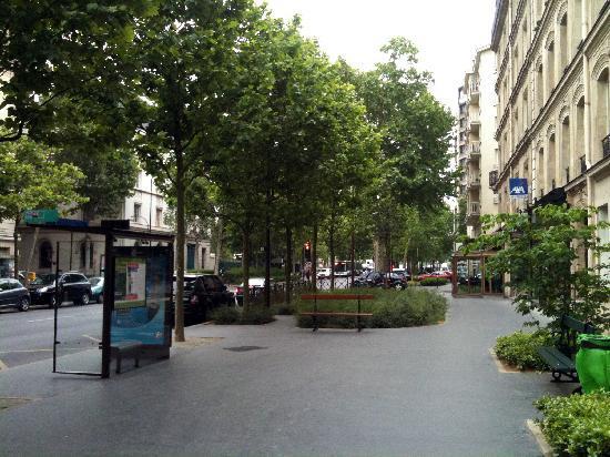 Hotel du Roule street